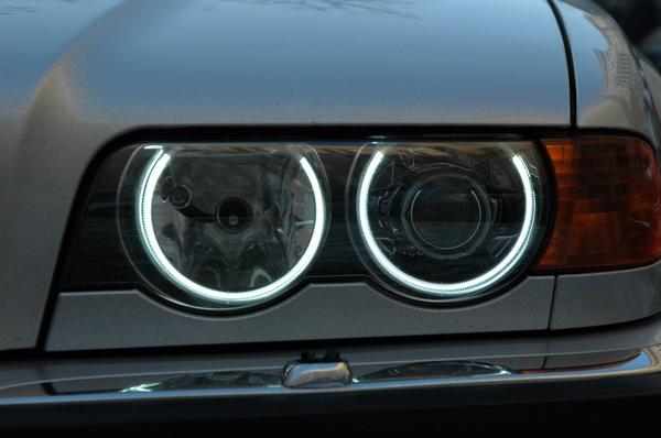 BMW E38 Club - Своими руками. Установка Angel Eyes CCFL и новых стекл фар
